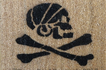 Pirate Skull and Crossbones Jolly Rodger doormat